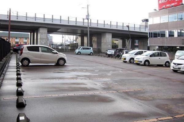 川商第5 燕三条駅前パーキング