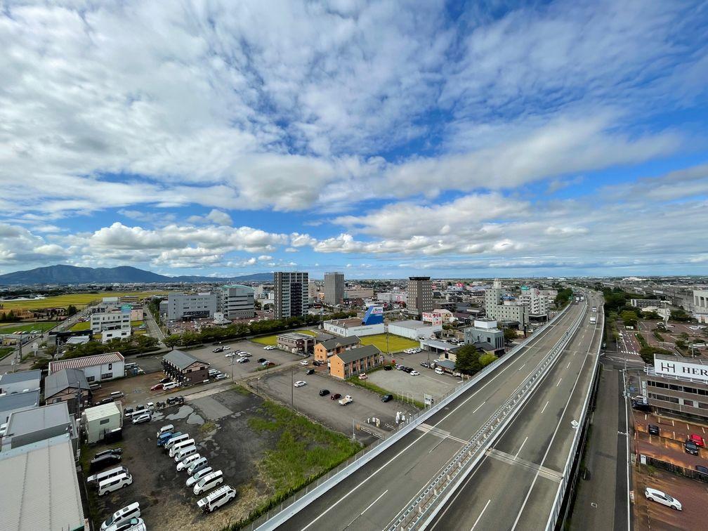 グランドガーデン燕三条駅→新潟方面を望む