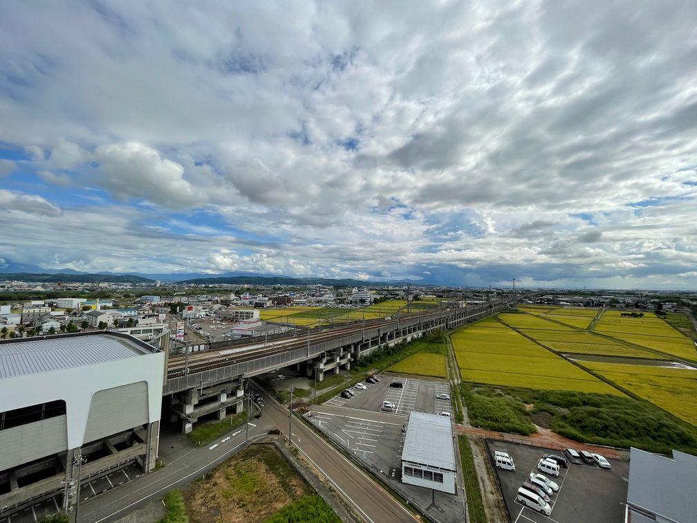 グランドガーデン燕三条駅→長岡方面を望む