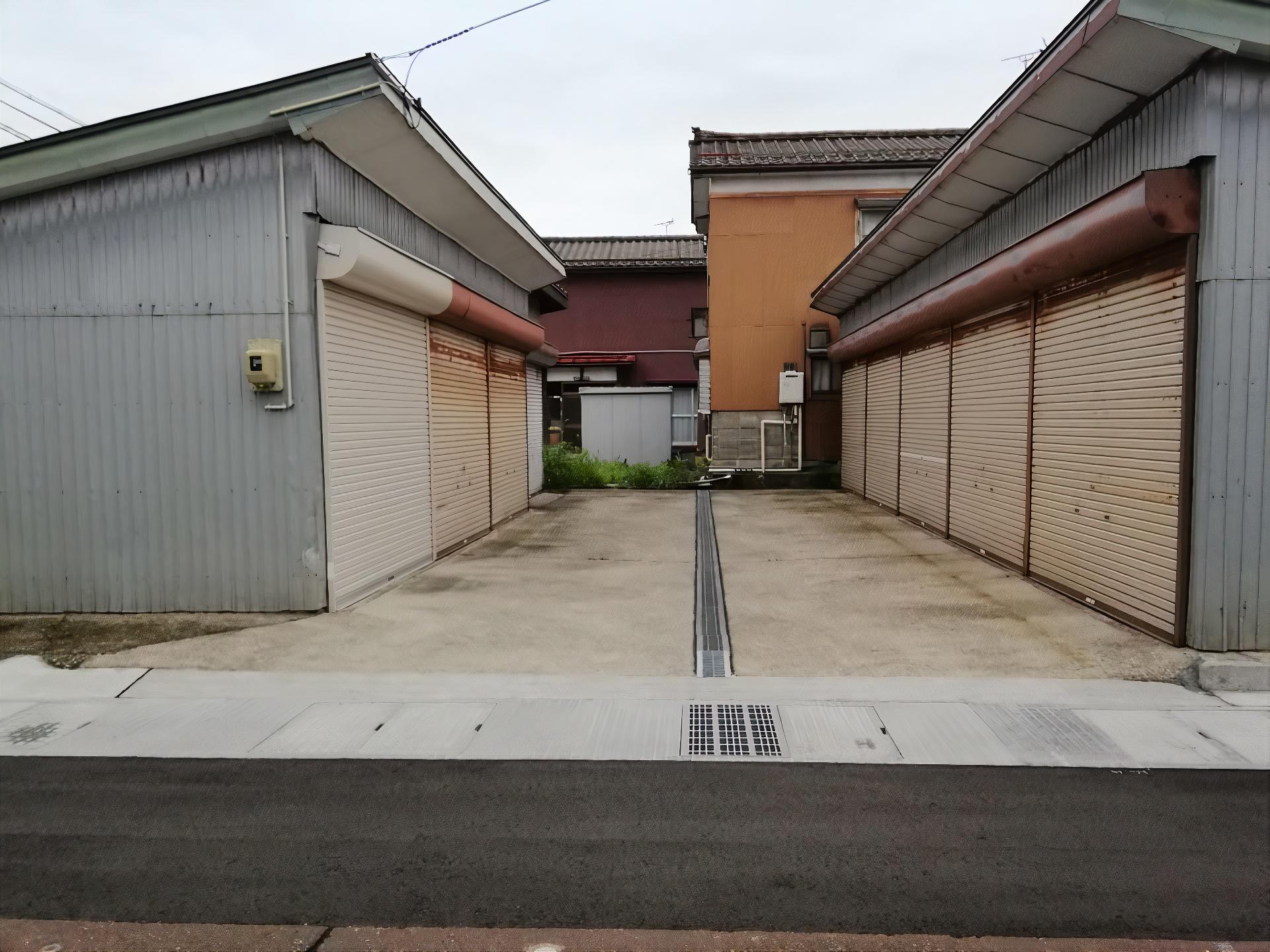 西四日町ガレージ